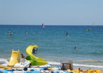 Hidropedals a la base d'activitats nàutiques d'Esportec Mar Aventura a Tamarit