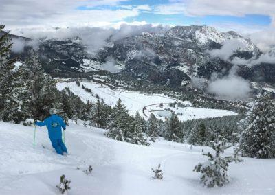 Esport d'hivern i muntanya. Esquí per debutants, iniciats i experts